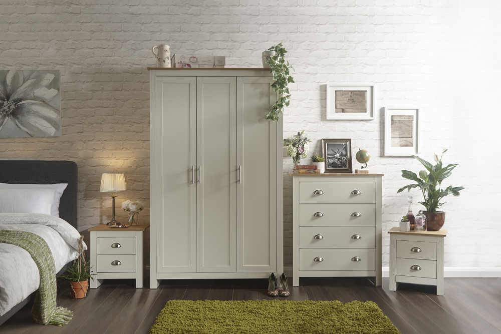 Lancaster 4 Piece Bedroom Set in Cream £339
