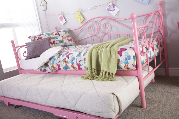 GFW MADISON DAY BED WITH TRUNDLE IN PINK and WHITE.