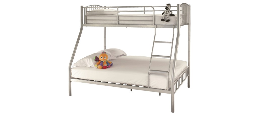 Serene Oslo Triple Sleeper in Silver £229