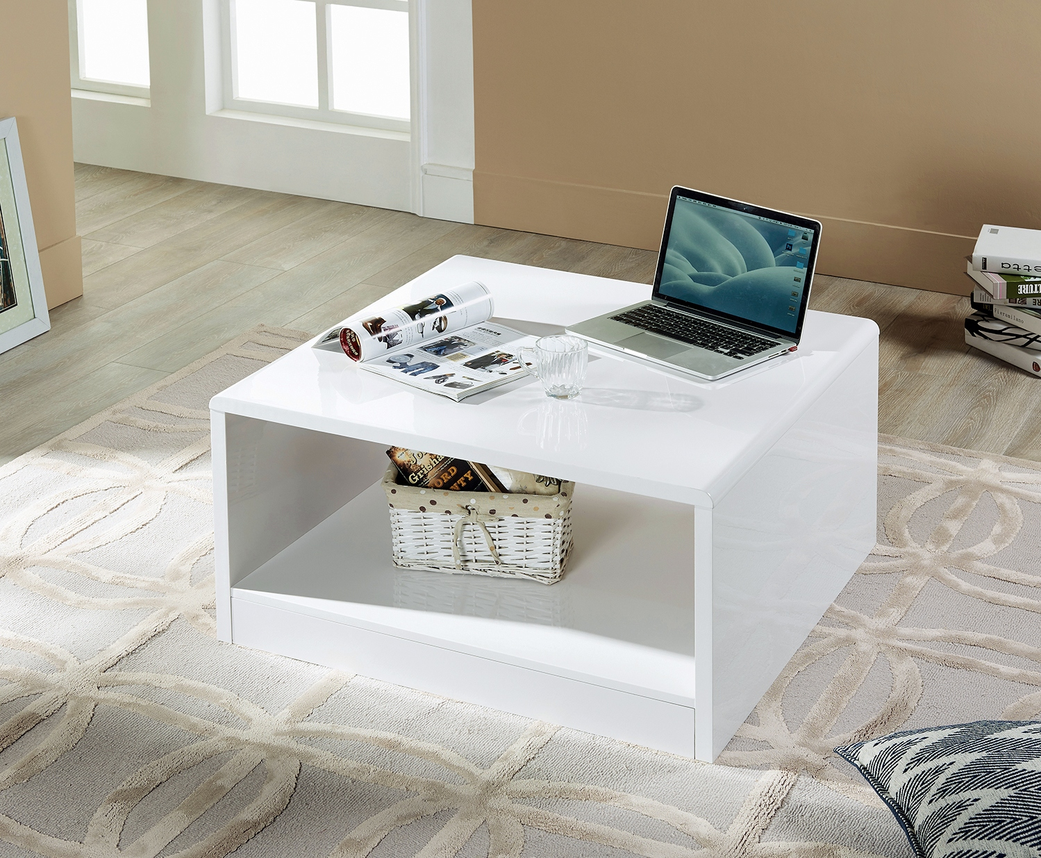 Manhattan Coffee Table in White High Gloss £119