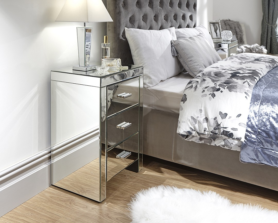 Venetian 3 Drawer Mirrored Bedside £179