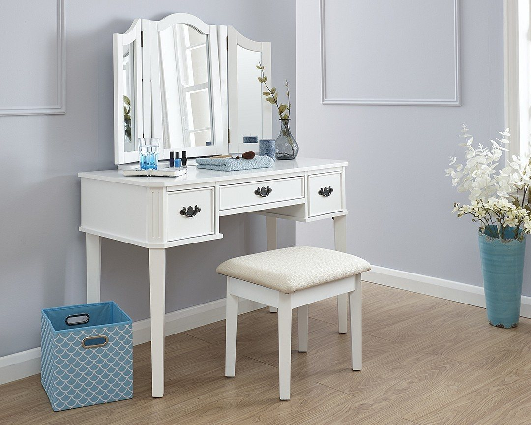 GFW Bella White Dressing table Set £189