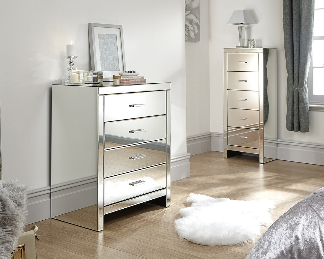 Venetian 4 Drawer Mirrored Chest £289